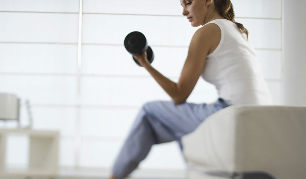 Telecommuting Woman Lifting Weights | Work-at-Home Fitness | DIETSiTRIED